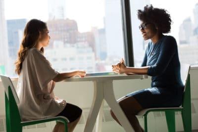 Lerne, effektiv Gespräche vorzubereiten und durchzuführen.